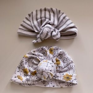 3/$25💕 TWO BABY GIRL TURBANS 0-6 MOS